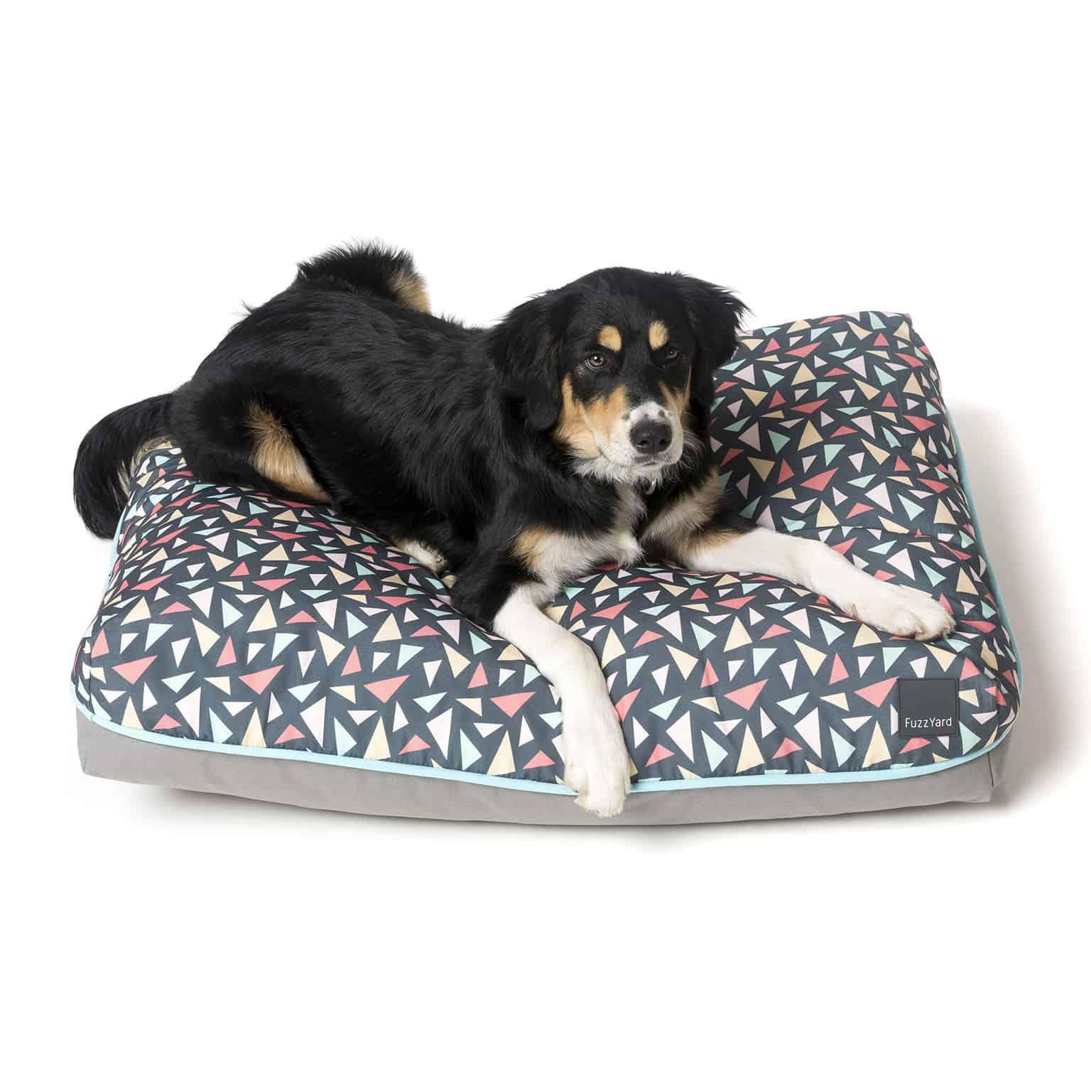 Fuzzyard Pillow Bed - Rad